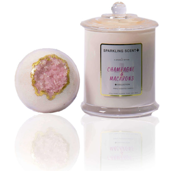 Champagne & Macaroons gift set in the centre of the screen. A pink crystal Goede Bomb and a French Gala candle.